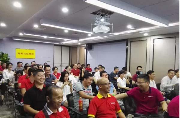 【深圳新美装饰】(400-7777-347)是一家12年直营做公装的深圳装修公司,拥有深圳厂房装修案例3000余,是一家值得信赖的厂房装修公司。